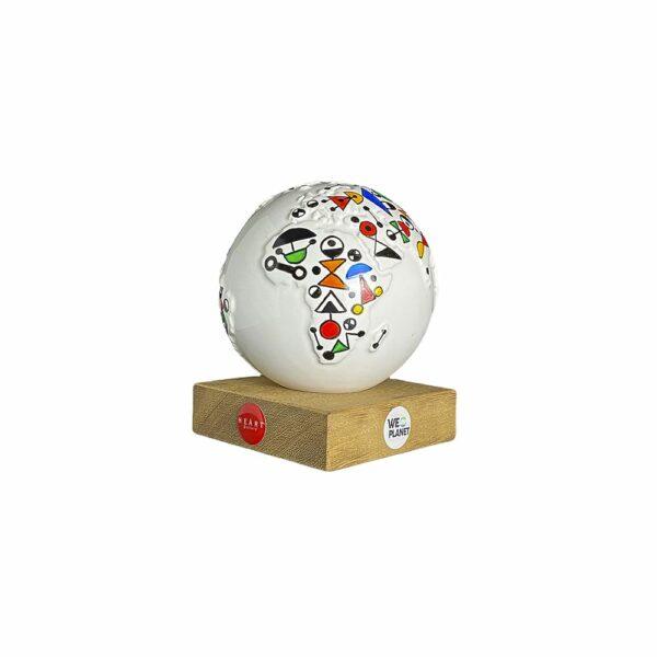 mappamondo design decorato secondo le sculture di Calder